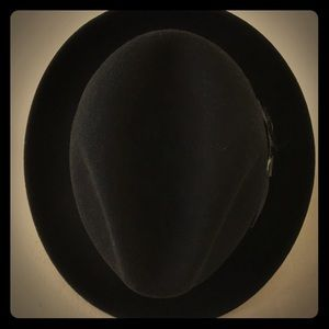 Bailey Of Hollywood Black Fedora Hat size Medium